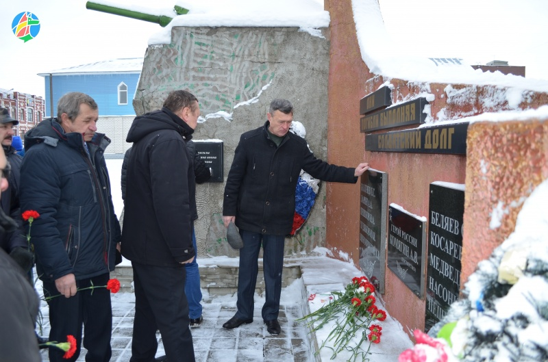 ВЕвпатории почтили память воинов-интернационалистов